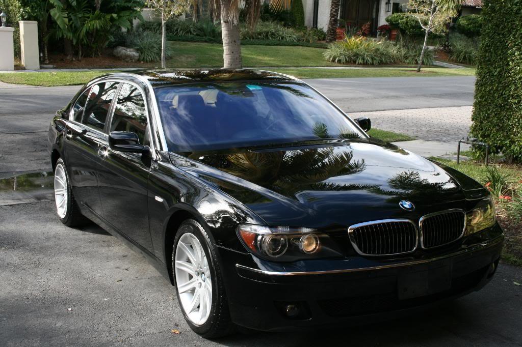 Black BMW 750lI